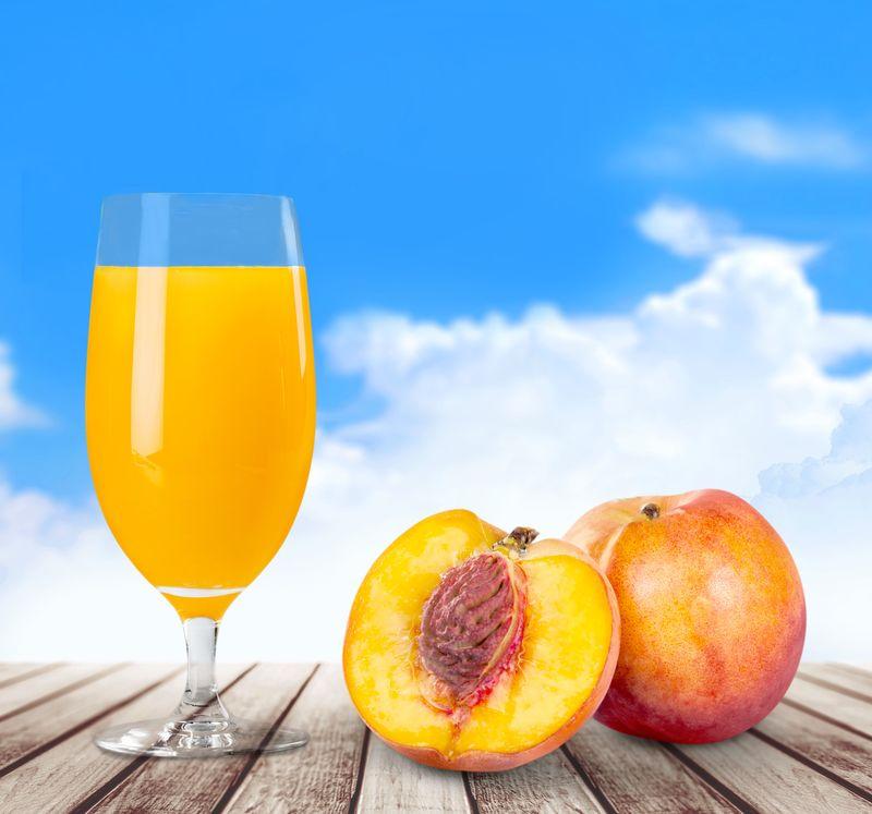 桃子-一半-叶子