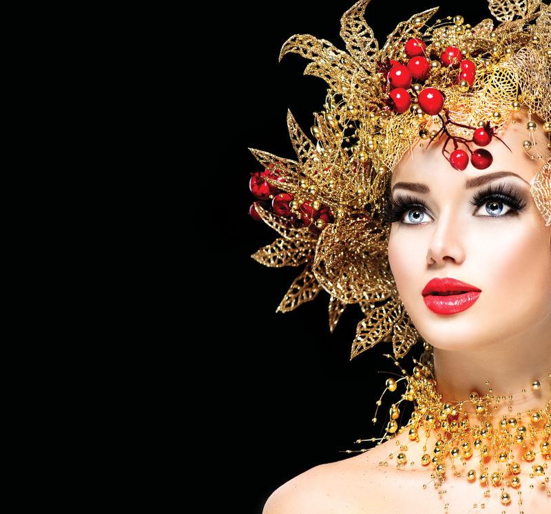 金色发型化妆的圣诞冬日女孩