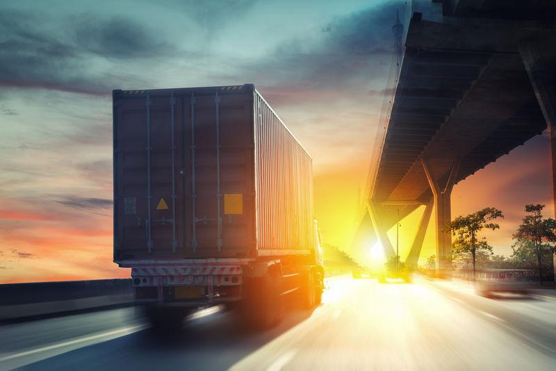 公路集装箱卡车