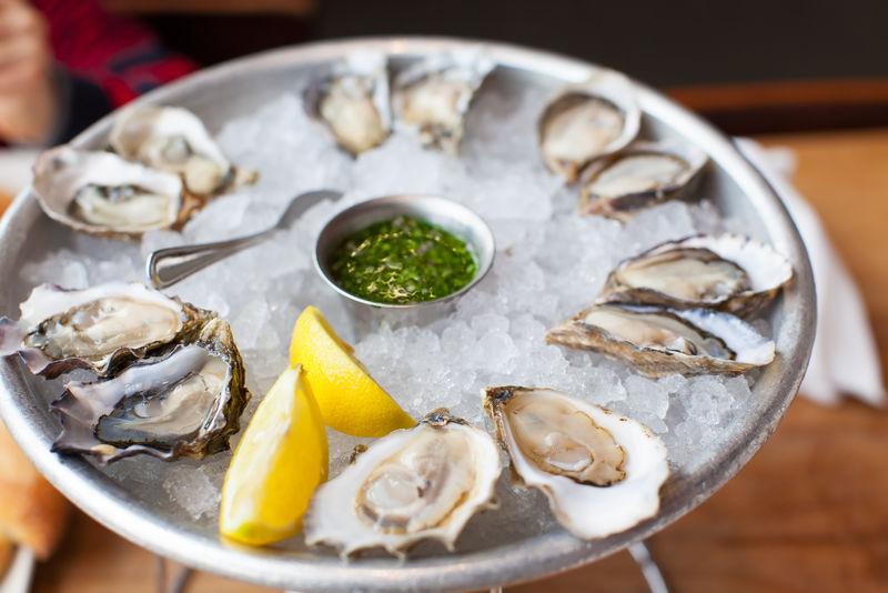 新鲜的牡蛎
