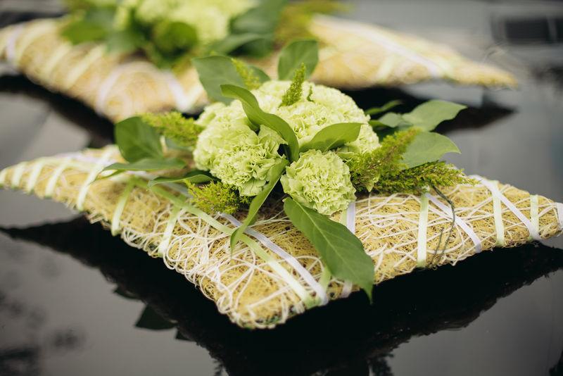 不同花束的豪华婚礼花束