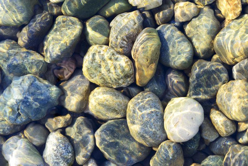 多色海卵石背景组成