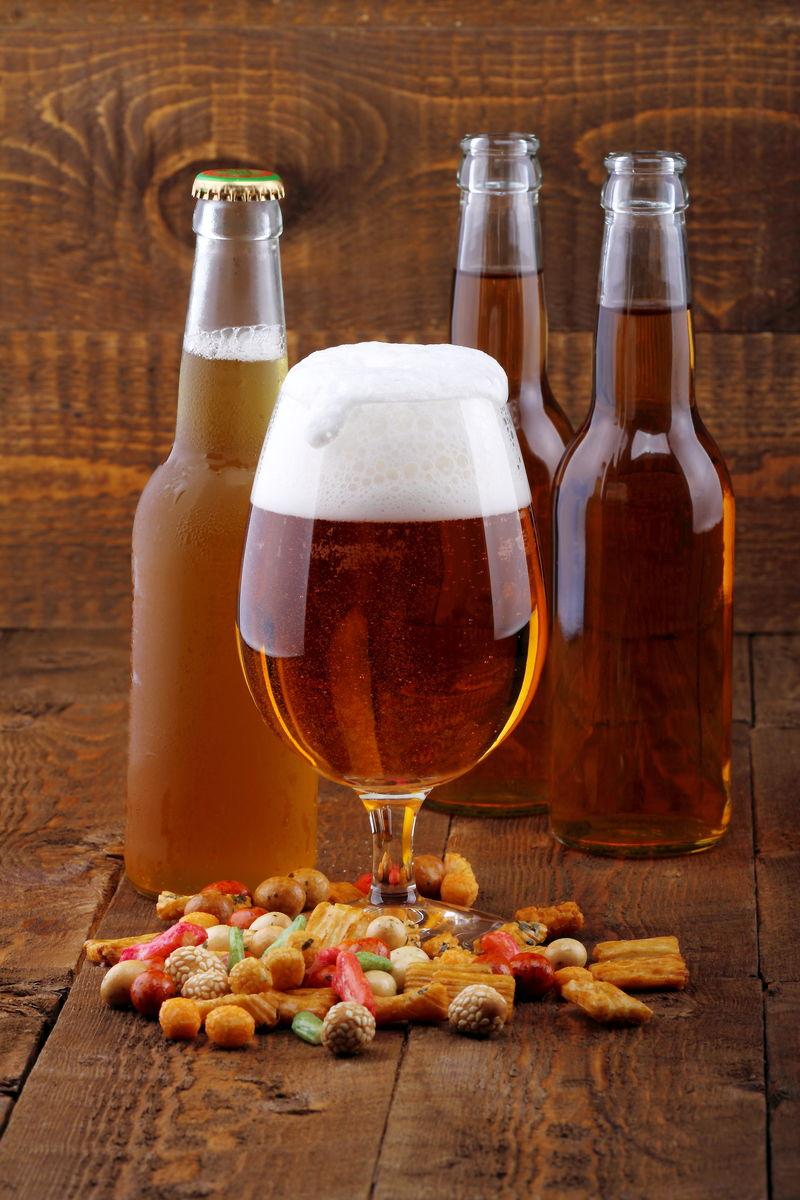 啤酒和零食