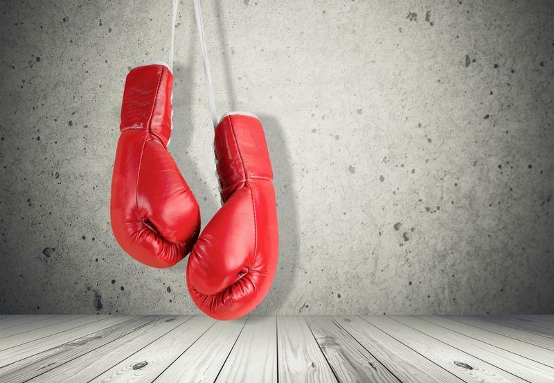 拳击手套。