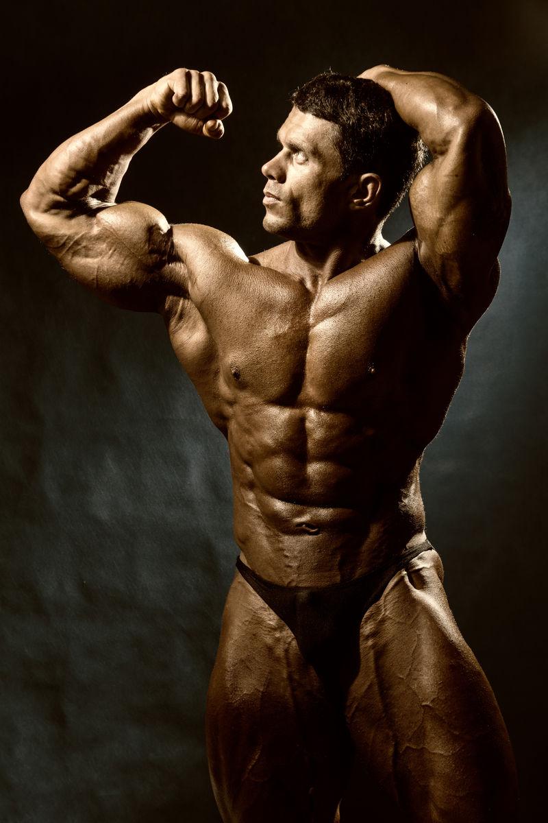 帅气肌肉健美造型