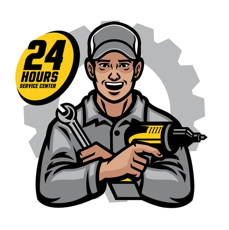 修理工微笑着拿着扳手和钻头