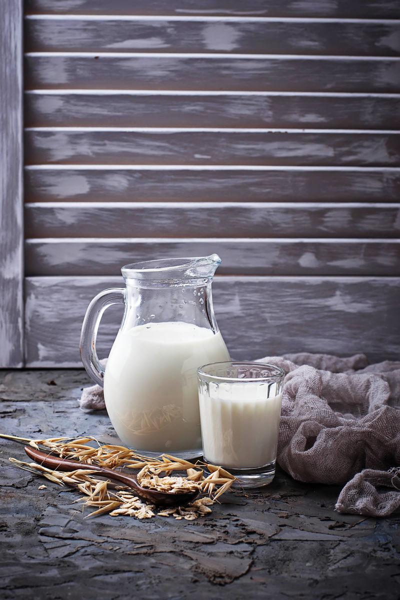 无乳纯燕麦奶