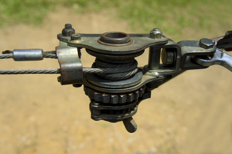 缆绳张紧绞车。