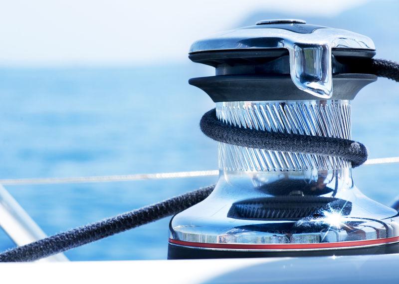 游艇绞盘。