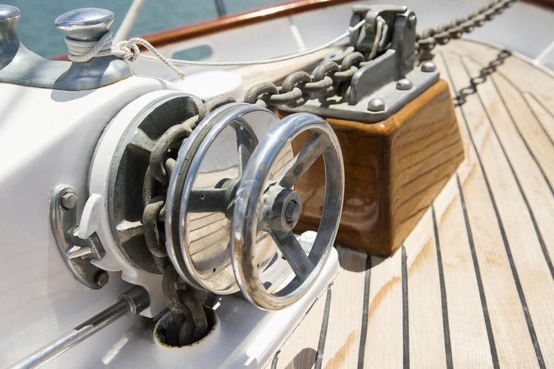 游艇绞车特写镜头。