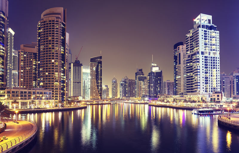 阿联酋迪拜码头夜景