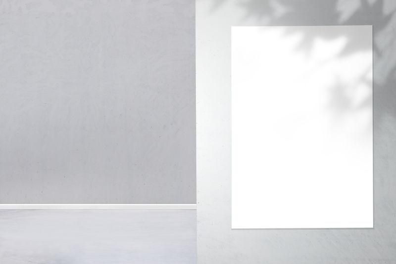 灰色墙上的白色框架模型