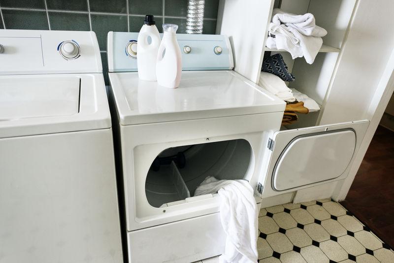 厨房里的洗衣机