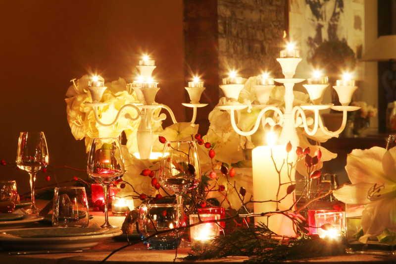 圣诞节浪漫烛光晚餐装饰