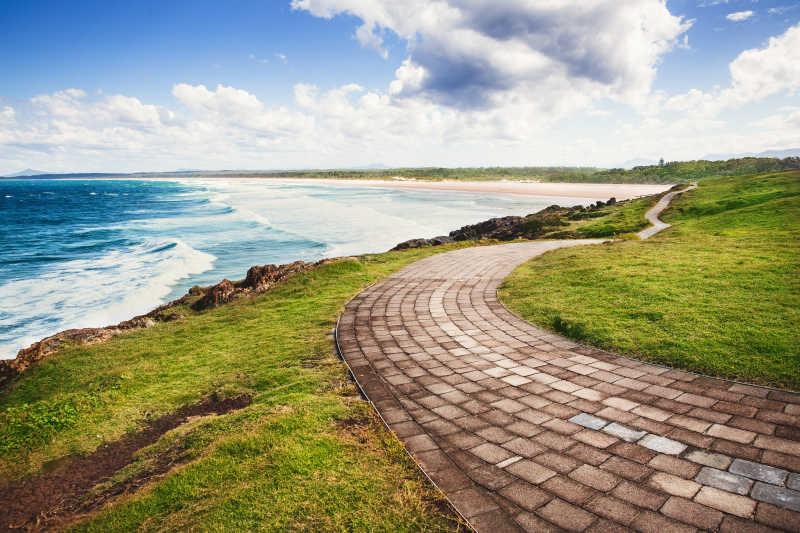 砖砌的海滨小路