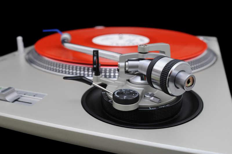 红色唱片机