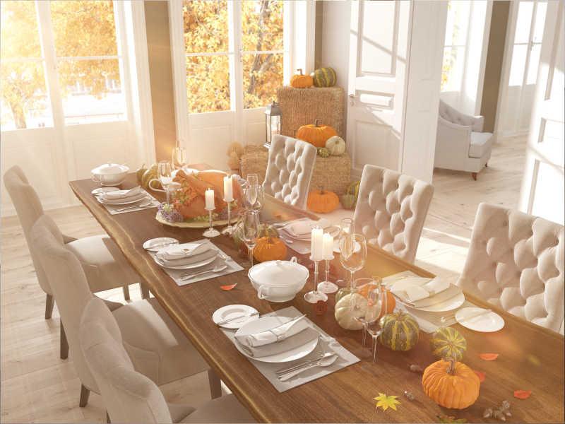 感恩节家庭装饰好的餐桌