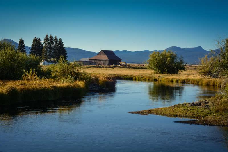 美丽的河水风景