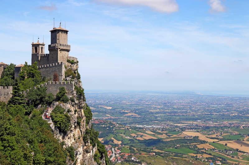 意大利圣马力诺要塞美丽的城堡建筑
