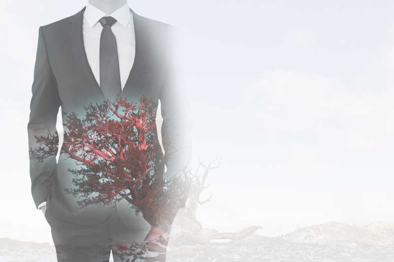 商人与树木的双重曝光