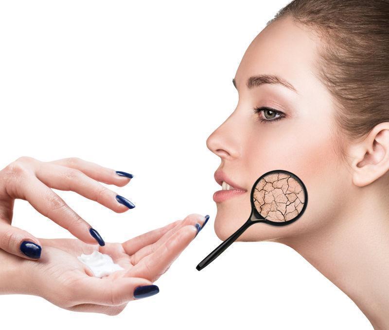 美女皮肤干燥的护理