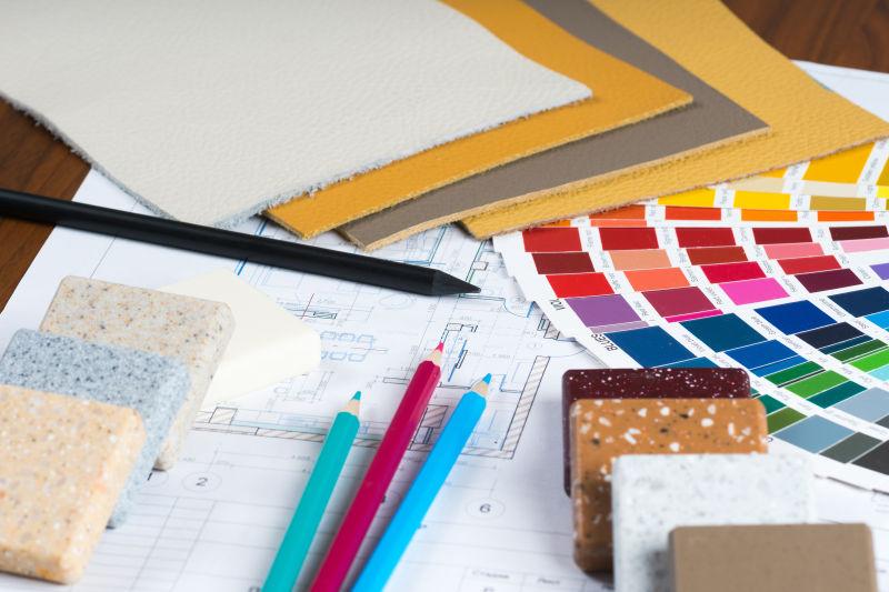 建筑师用的设计工具图纸和色卡