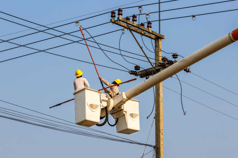 高压电线电工维修