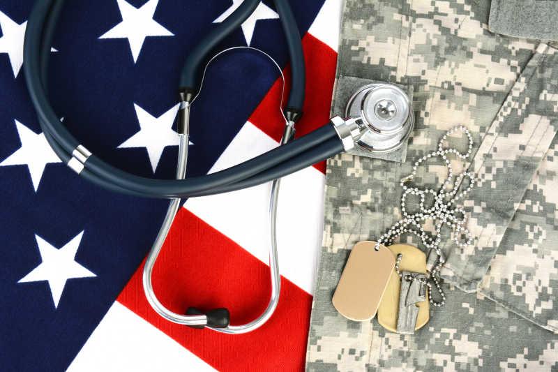 星条旗与听诊器