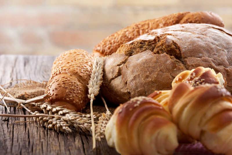 新鲜面包卷