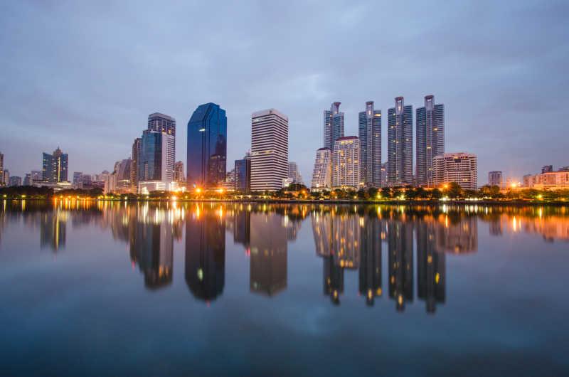 一个城市的夜景