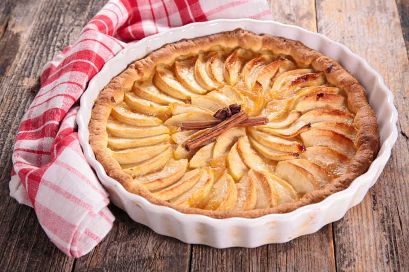 刚出炉的美味苹果派