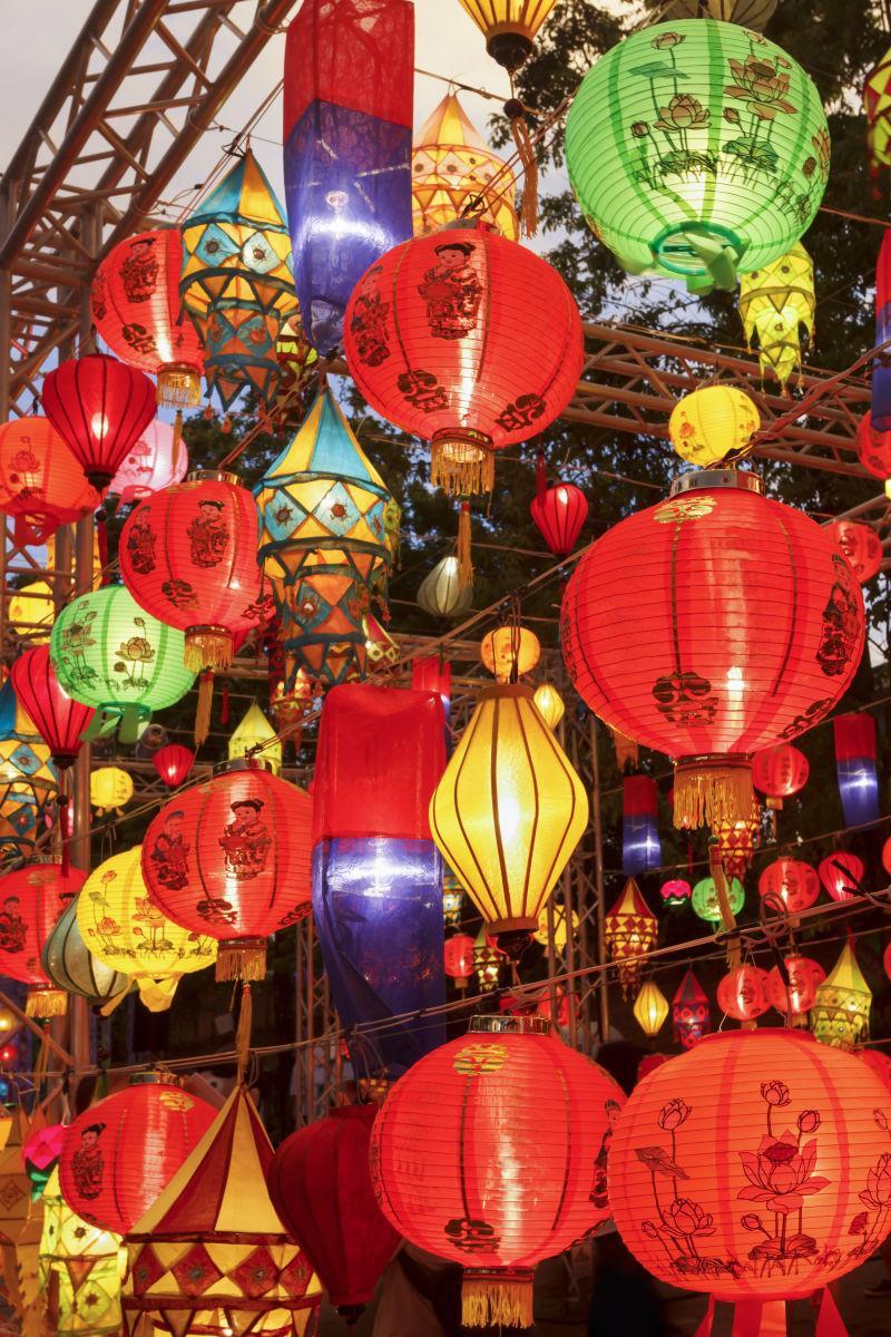 各式各样的越南会安灯笼