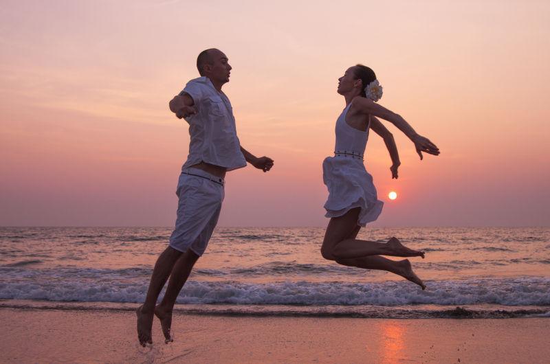 海滩上的爱情故事休闲