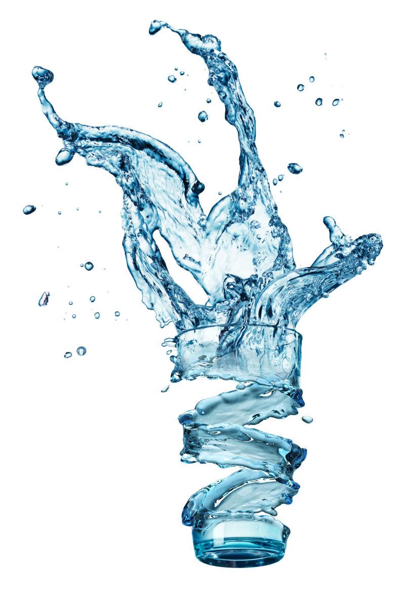 白色背景玻璃中的水飞溅