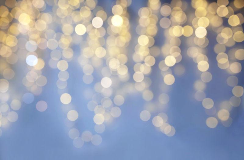 模糊的金色灯光背景